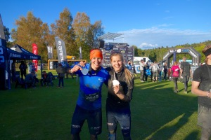 Linnea and Erika before the run