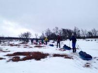 Efterlyser snö.. På många ställen fick vi skidra över myrar.
