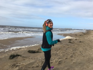 Visserligen ingen backlöpning, men löpning på stranden gör mig lika glad ändå.