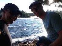Jag och Niclas nere i östra viken med Jockfallet i bakgrunden.