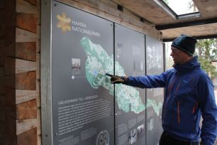 Rejäla informationstavlor om vad parken erbjuder och om dess historia, samt praktisk information.